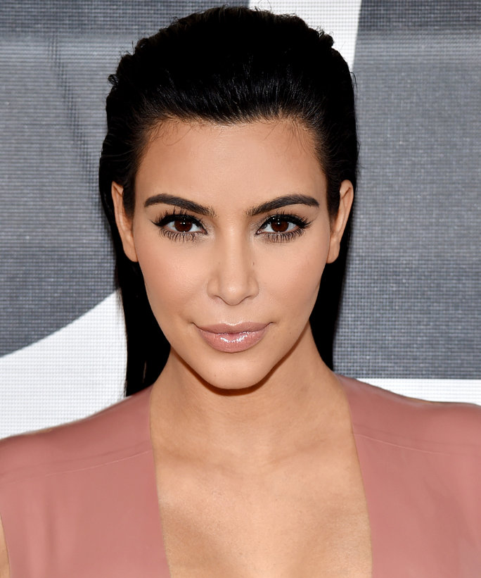 kim-kardashian-was-held-at-gunpoint-in-paris